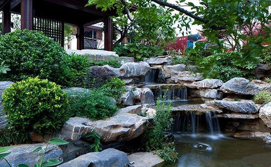 3-3良好园林 太湖石造景.jpg